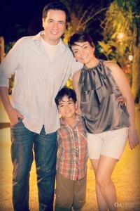 FAMu00CDLIA - O marido ALEXSANDRO PALERMO, o filho EMANUEL e  ALEXIA GARCIA - Cru00E9dito Cu00C2MERA Mu00C1GICA