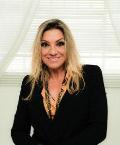 Artista plástica e produtora cultural Angela de Oliveira