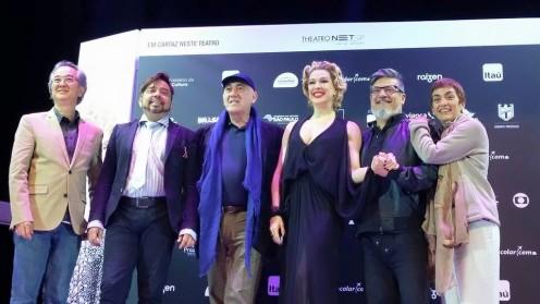 Raia 30 , o musical. Fabio Namatame (figurinista), Marconi Araújo (diretor musical), José Possi Neto (diretor), Claudia Raia, Marcos Tumura (ator) e Tania Nardini (coreógrafa)
